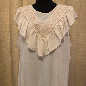 Torrid Cream colored sleeveless blouse SZ 0